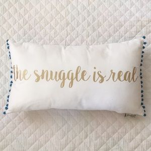 Accessories - Throw Pillow